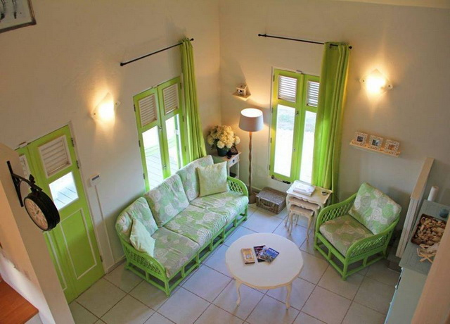 small-white-green-cottage-house-3