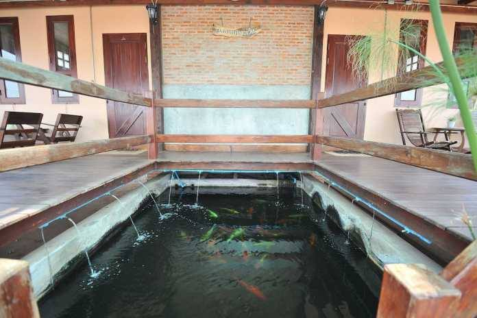 1 storey traditional thai house with wide patio (2)
