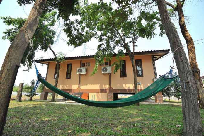 1 storey traditional thai house with wide patio (6)