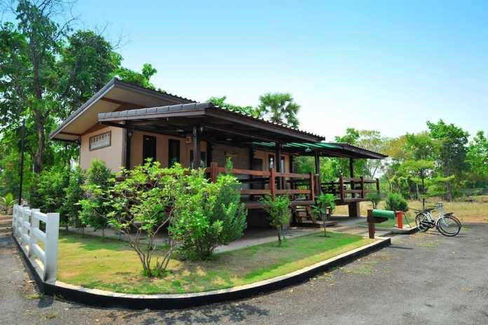 1 storey traditional thai house with wide patio (7)