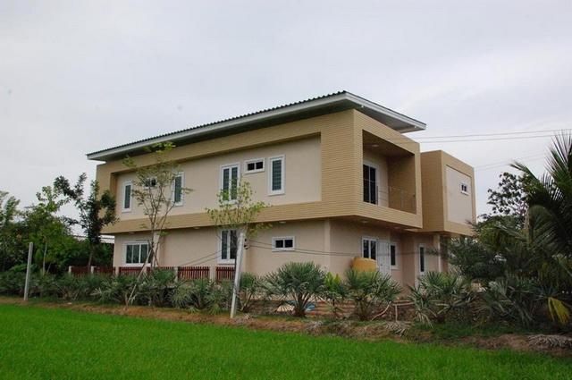 2-storey-150-sqm-modern-house-review-3