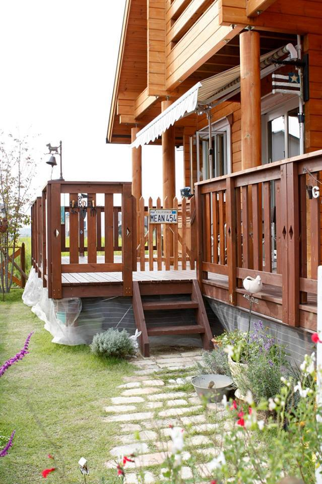 2-storey-country-log-cabin-house-6