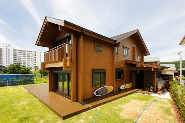 2-storey-wooden-country-house-with-wide-patio-3