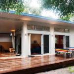 แบบบ้านโมเดิร์นตากอากาศ 3 ห้องนอน 2 ห้องน้ำ มาพร้อมเฉลียงโปร่ง สำหรับรับลมและชมธรรมชาติ