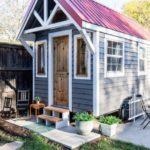 บ้านพักชั่วคราวแบบบ้านกระท่อม หลังเล็กๆกำลังดี พร้อมไอเดียตกแต่งภายในแบบเมดิเตอร์เรเนียน