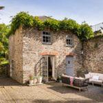 บ้านพักตากอากาศ สไตล์รัสติค บิวท์อินภายในสวยงาม รองรับการพักผ่อนของครอบครัวขนาดเล็ก