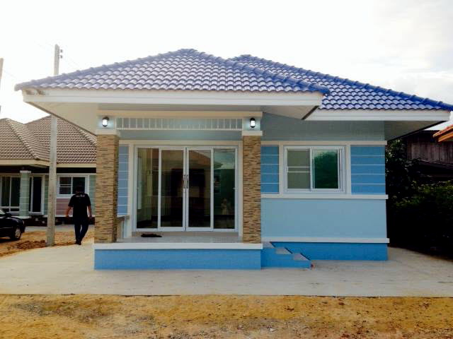 500k-small-cozy-blue-cottage-house-1
