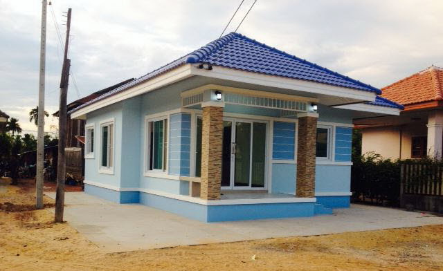 500k-small-cozy-blue-cottage-house-2