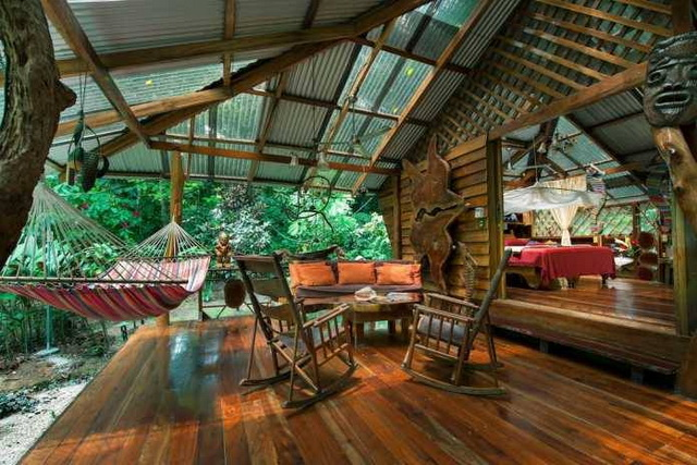 bright and airy wooden house (10)