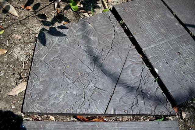 concrete-walk-path-for-your-garden-diy-31
