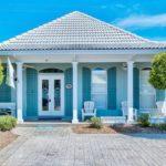 บ้านคอทเทจสีฟ้าสดใส ตกแต่งทันสมัยและโปร่งโล่ง พื้นที่ลงตัวในขนาดกะทัดรัด