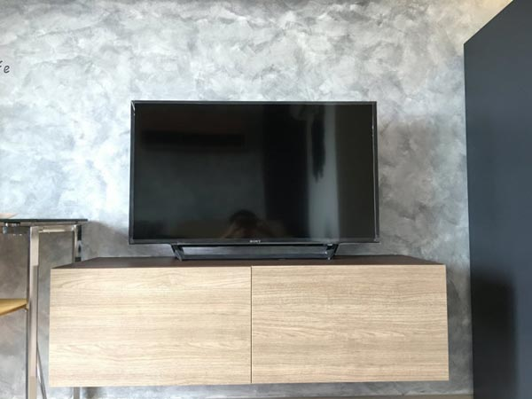 loft condo raw concrete wall review (11)