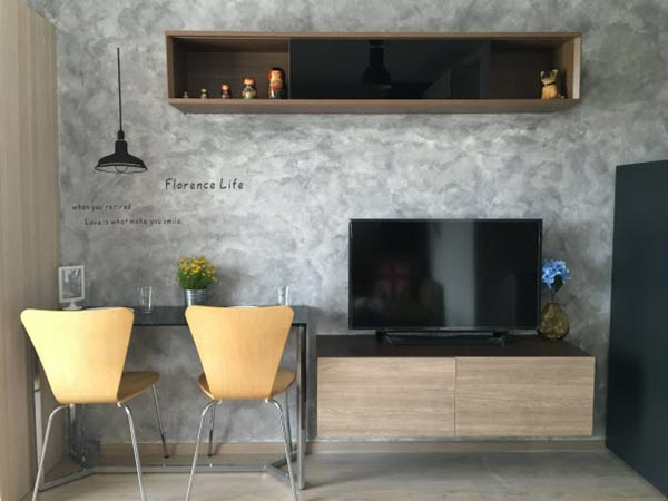 loft condo raw concrete wall review (14)