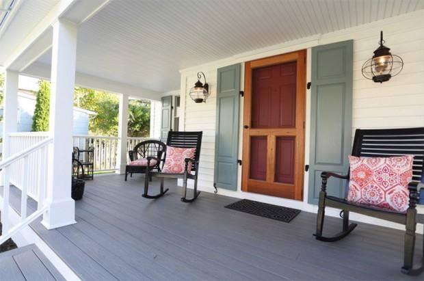 lovely coastal white cottage house (3)