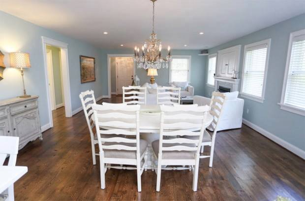 lovely coastal white cottage house (4)