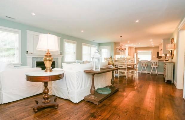 lovely coastal white cottage house (6)