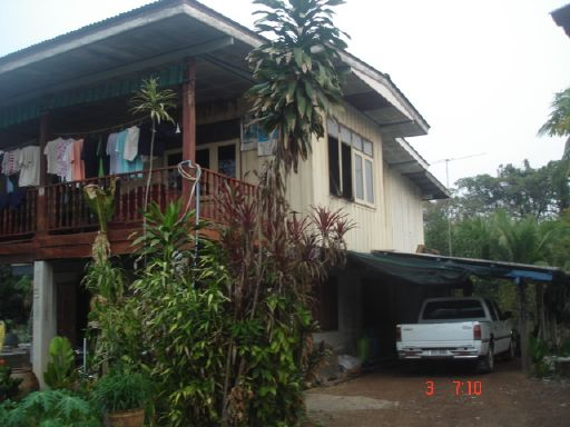 old-thai-wooden-house-renovation-3