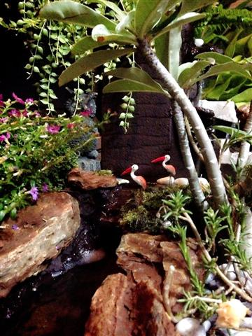 small waterfall garden condo patio (1)