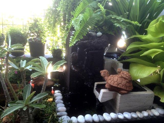 small waterfall garden condo patio (25)
