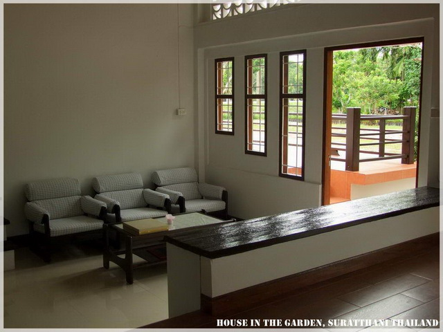 thai country half wood half concrete house review (12)