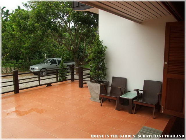 thai country half wood half concrete house review (13)