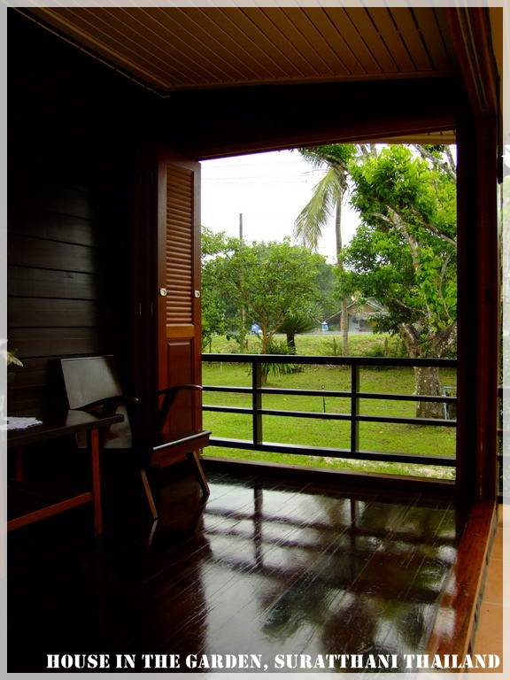 thai country half wood half concrete house review (15)