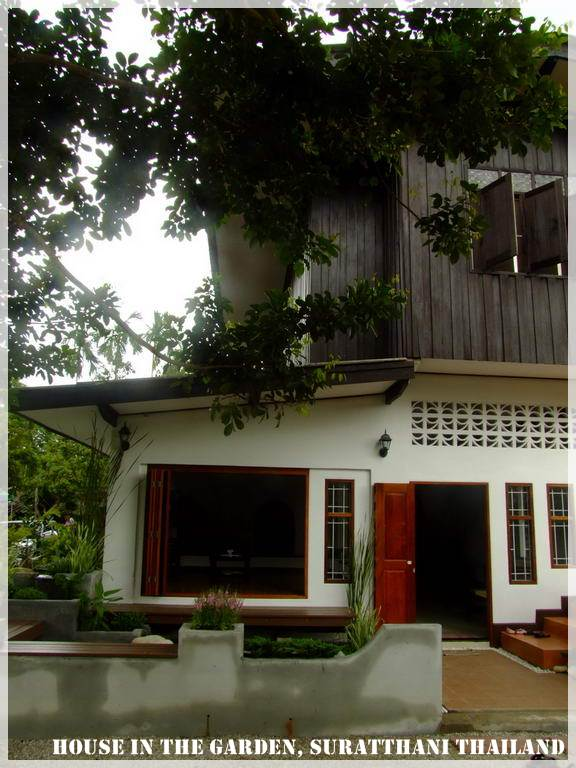 thai country half wood half concrete house review (4)