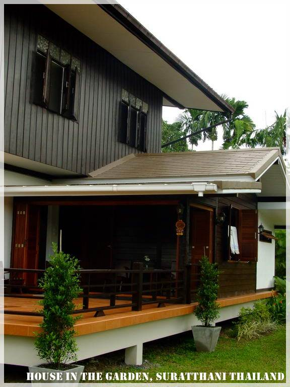 thai country half wood half concrete house review (49)