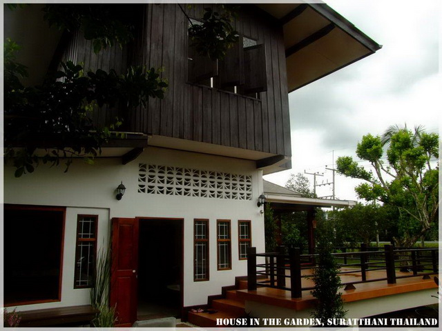 thai country half wood half concrete house review (5)