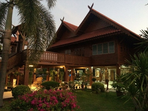 thai oriental wooden house with floating pavilion (2)