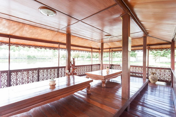 thai oriental wooden house with floating pavilion (6)
