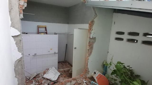 white resort bathroom renovation (4)