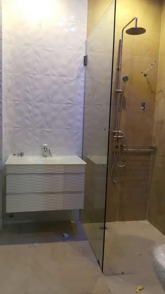 white resort bathroom renovation (6)
