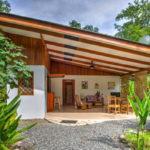 บ้านชนบทดีไซน์เรียบง่าย เน้นความโปร่งโล่ง ให้ธรรมชาติได้เป็นส่วนหนึ่งของการใช้ชีวิต