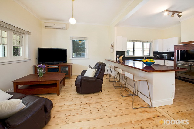 1 storey white vintage house with traditional veranda (3)