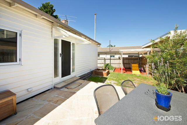 1 storey white vintage house with traditional veranda (8)