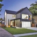 บ้านสองชั้นหลังใหญ่ ออกแบบในสไตล์โมเดิร์น พร้อมงานตกแต่งด้วยอิฐโชว์แนว ภายในแบบโมเดิร์นมินิมอล