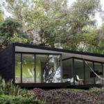 บ้านบนเนินเขา ออกแบบสไตล์โมเดิร์น หลังเล็กๆ รองรับการพักผ่อนแบบบ้านตากอากาศ