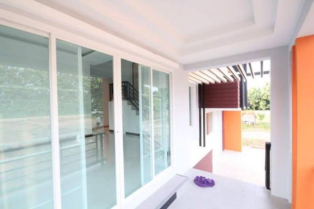 modern minimalist white house (4)