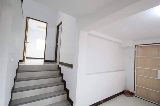 modern minimalist white house (9)