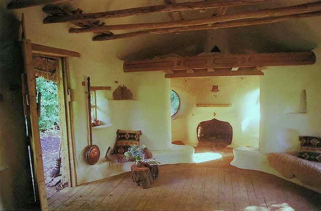 retired-teacher-builds-hobbit-home (6)
