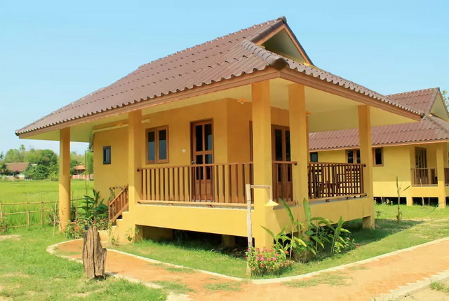 small yellow country bungalow (1)