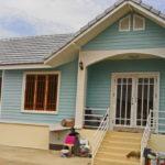 ปลูกบ้านหลังน้อยตามความฝัน ดีไซน์น่ารักสีสันสดใส ในงบประมาณ 490,000 บาท