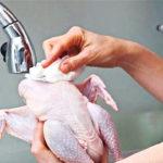 รู้ไว้ใช่ว่า!! ห้ามล้างเนื้อไก่ก่อนนำไปปรุงอาหาร เสี่ยงต่อการแพร่กระจายของเชื้อโรค แนะนำเอาไปปรุงสุกได้เลย