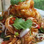 """แจกวิธีทำ """"พล่ากุ้งรสแซ่บ"""" ฟินกับกุ้งแชบ๊วยตัวโต พร้อมน้ำยำตำรับไทยสูตรเด็ด"""
