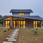 บ้านสองชั้นสไตล์ร่วมสมัย ปูนเปลือย เหล็ก ไม้ ความสวยงามที่ลงตัว กลิ่นอายการตกแต่งแบบลอฟท์