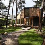 บ้านท้ายสวน สไตล์โมเดิร์นเคบิน บนพื้นที่ใช้สอยที่ 78 ตร.ม. พร้อมการตกแต่งภายในด้วยงานไม้แบบมินิมอล