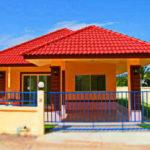 แบบบ้านชั้นเดียวทรงปั้นหยา 2 ห้องนอน สีสันสดใส โดดเด่นเห็นแต่ไกลตา ราคาก่อสร้างไม่เกิน 8 แสนบาท
