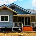บ้านชั้นเดียวยกพื้นต่ำ 2 ห้องนอน สดใสที่ภายนอก อบอุ่นที่ภายใน ไซส์กะทัดรัดฉบับครอบครัวเล็ก