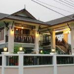 ปลูกบ้านสองชั้นทรงไทยประยุกต์ สัมผัสความอบอุ่น ผ่านดีไซน์ทันสมัยสุดเนี้ยบ